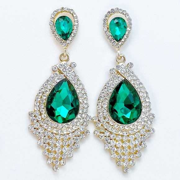 Prom Pageant Bridal Jewelry - Green Crystal Rhinestone Event Earrings   e2
